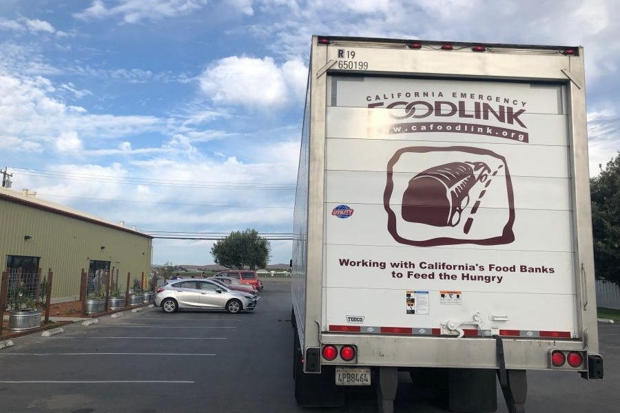 Foodlink truck delivers USDA foods to Community FoodBank in Hollister, CA